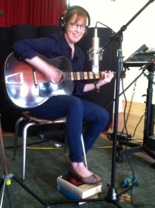 Suzanne Vega playing Supertone Acoustic